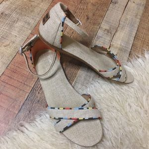 TOMS size W8 Sandals